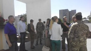 Учасники АТО вимагають від Крисоватого передати документи на землю.