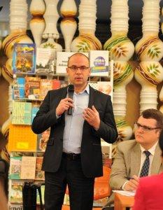 Юрiй Юрик та Iгор Степурiн, засновник видавництва «Саммiт-Книга» пiд час стратегічної сесії.