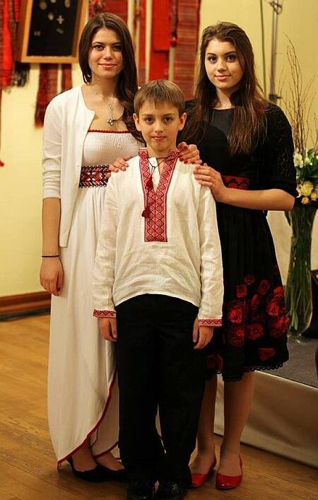 Найбільша потіха екс-президента Ющенка: Софія, Христина і Тарас.