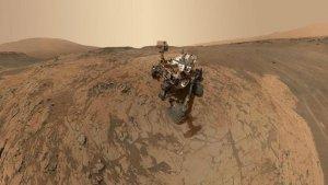 Робот Curiosity розміром з автівку став першим марсіанським туристом, який зробив селфі